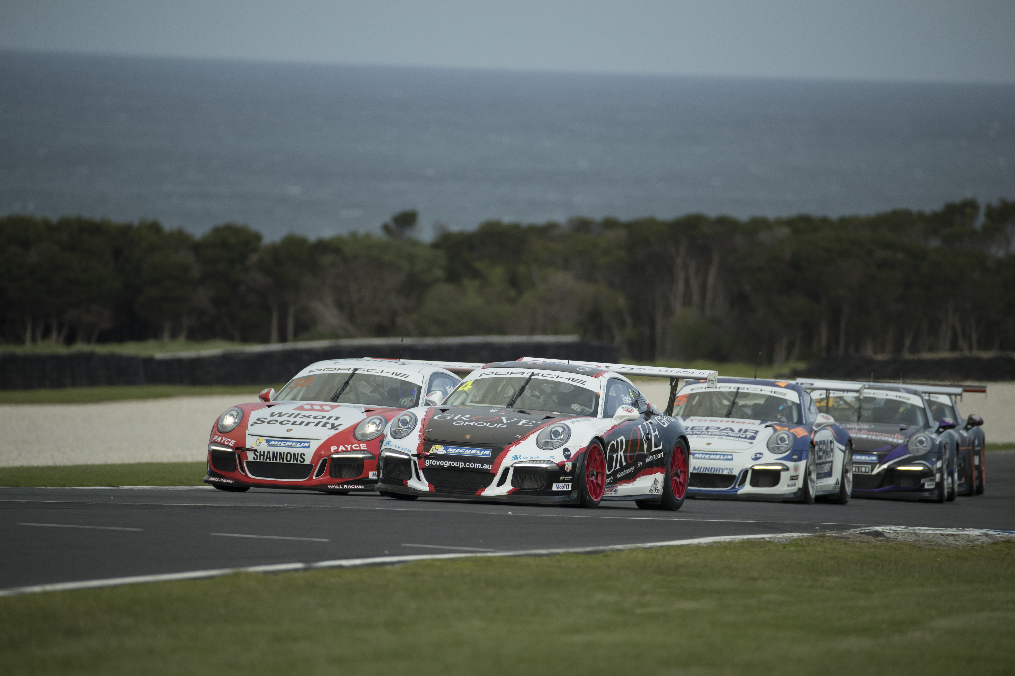 p38-Wall-CarreraCup-R3-2017-02245