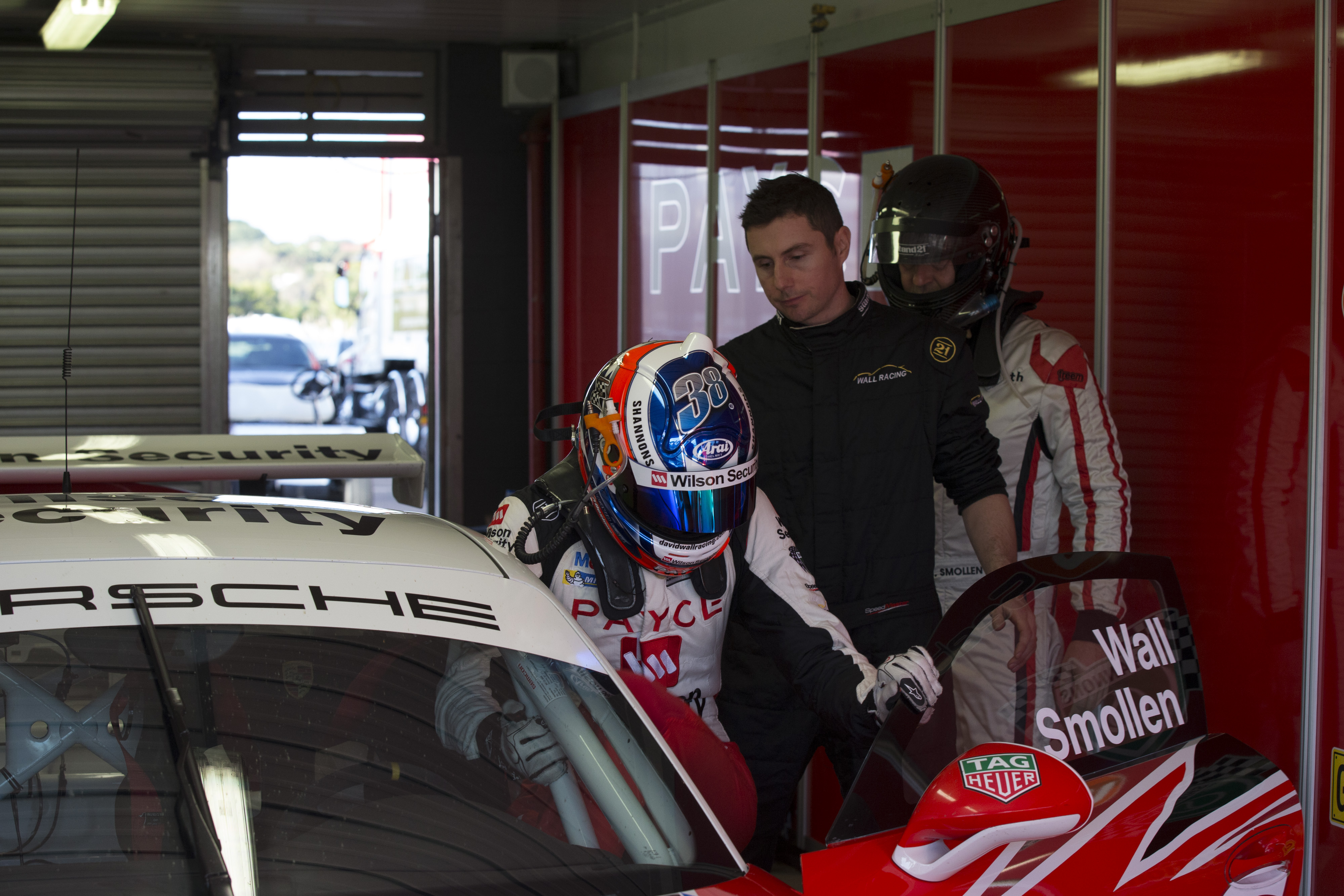 p38-Wall-CarreraCup-R3-2017-1339