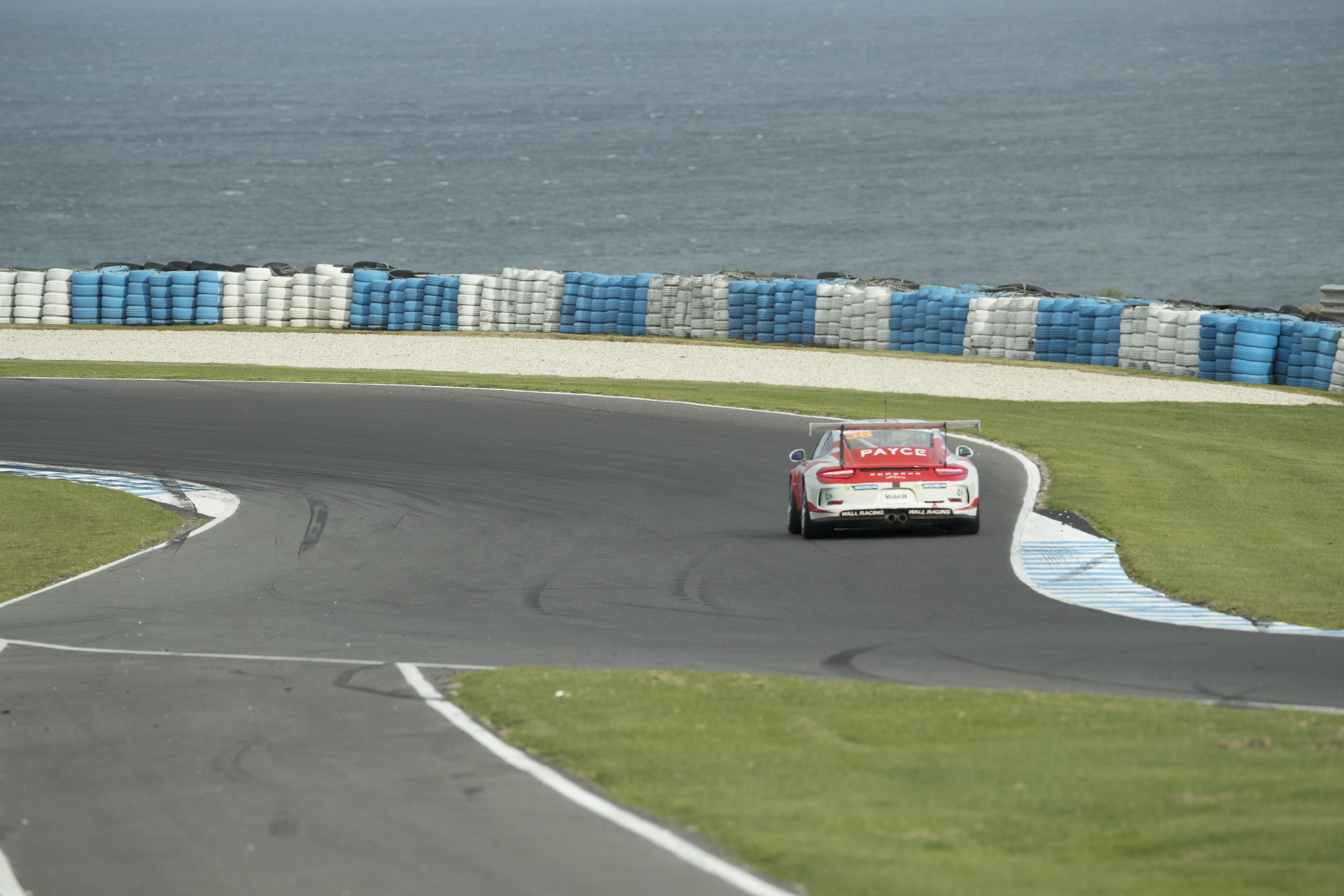 p38-Wall-CarreraCup-R3-2017-02297